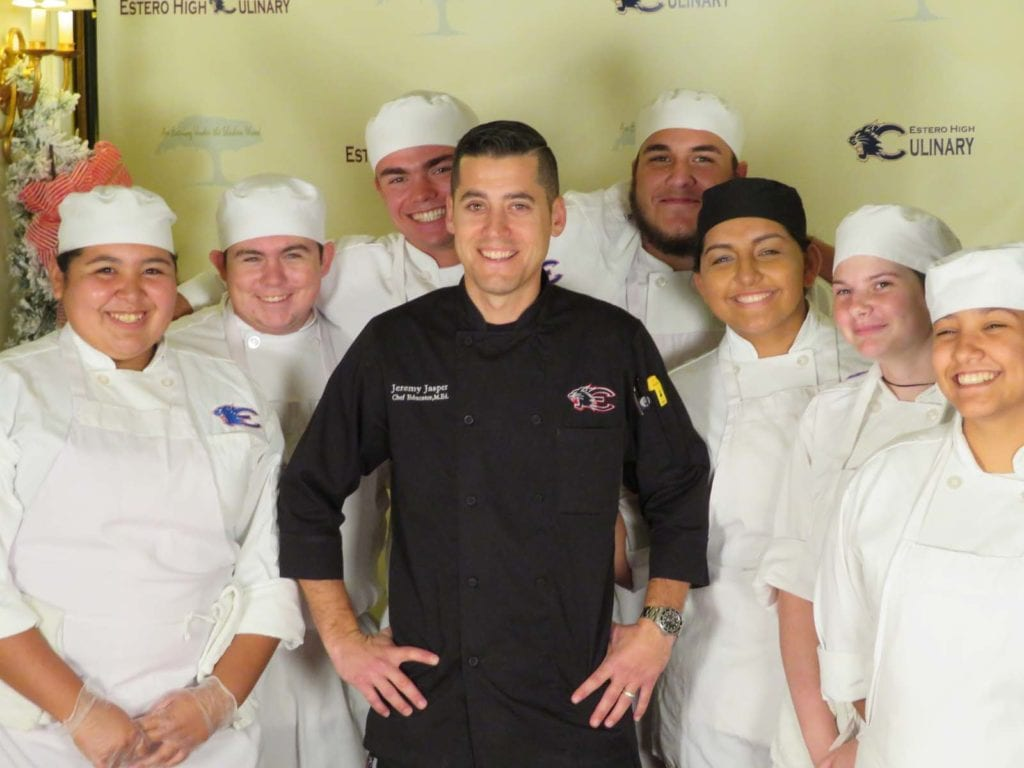 EHS Chef Jeremy Jasper with culinary students