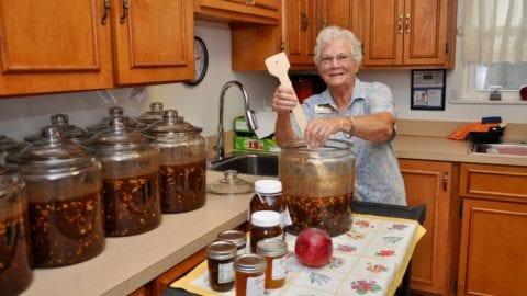 Marlene Fernandez makes mango chutney
