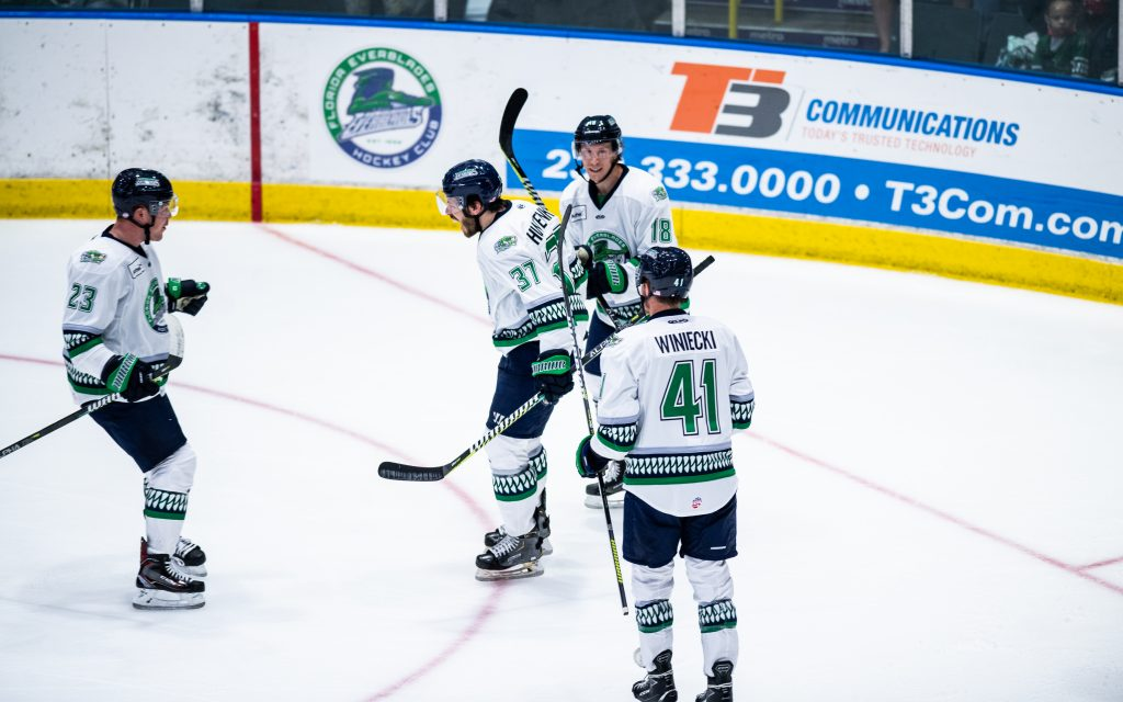 Everblades action